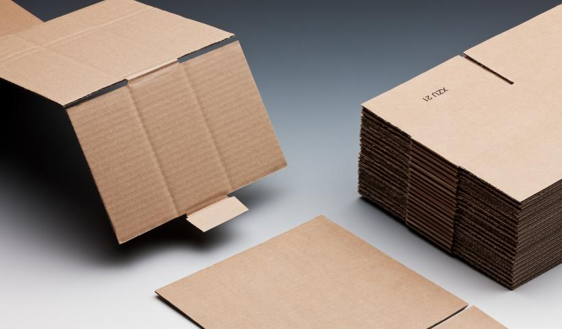 Adhesives for corrugated board and cardboard